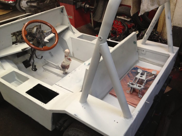 Mini Moke Schmitt de 1983 - Restauration carrosserie
